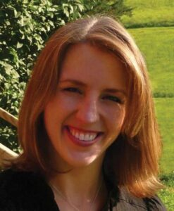 Kari Sweeney Efferen '03 COVID-19 vaccine Pfizer alumna fall 2020