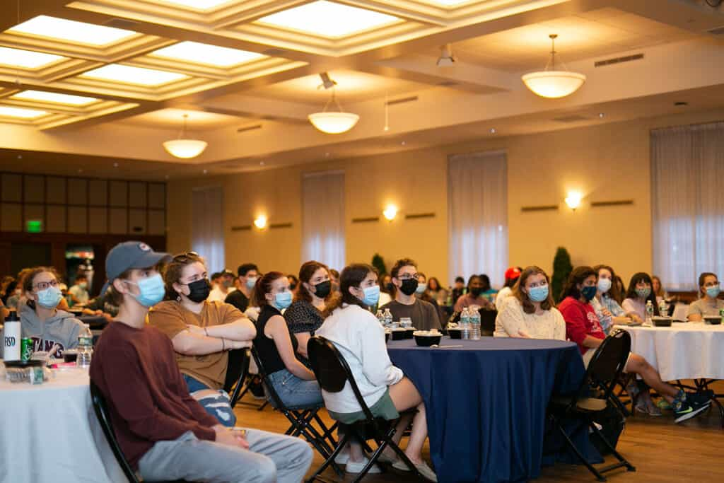 stusdents attending the John Quinones lecture